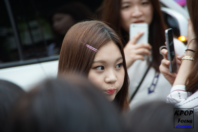 GFriend Umji Music Bank Arrival 20160722