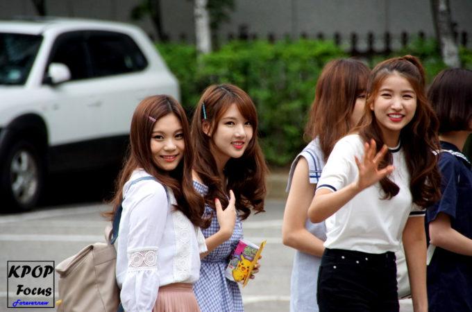 #GFriend Music Bank Arrival 160722