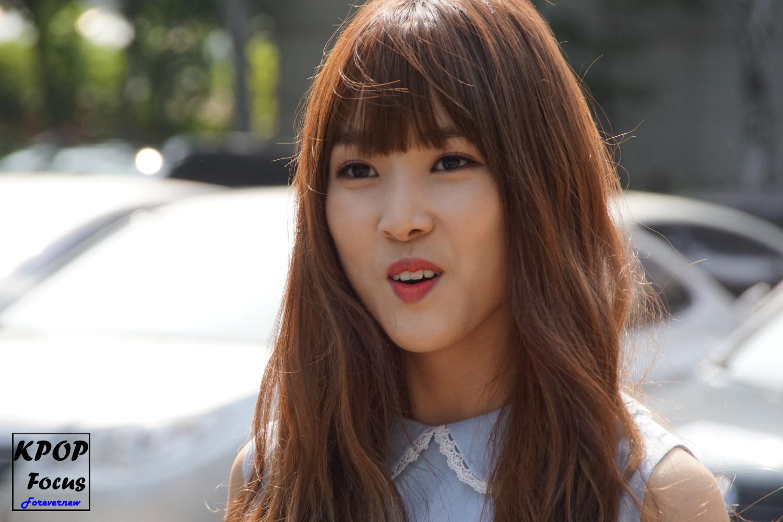 GFriend Yuju Music Bank Arrival 20160722