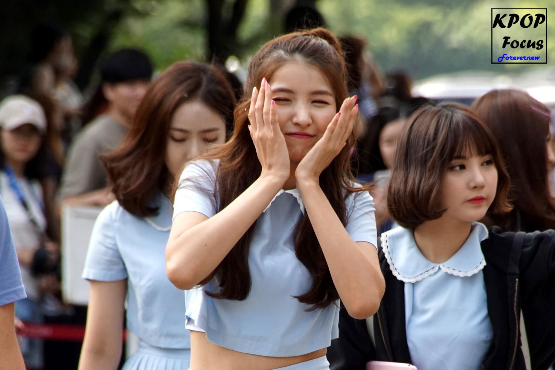 GFriend Sowon Music Bank Arrival 20160722